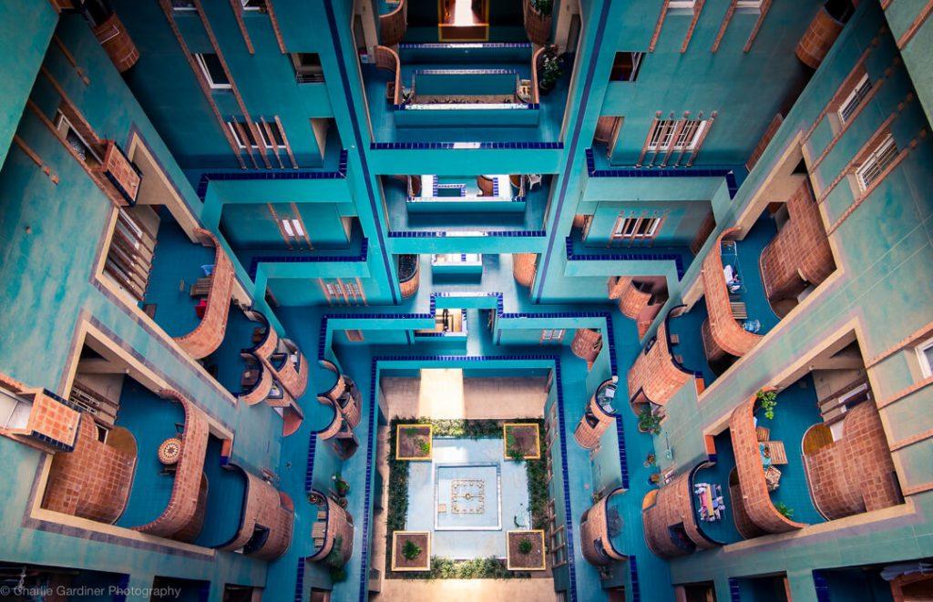 Inside Edifici Walden 7