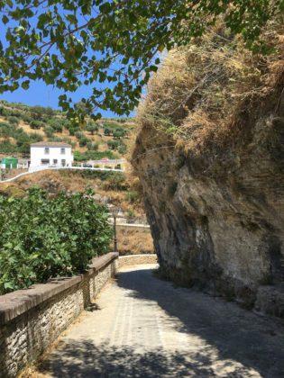 Path around Setenil