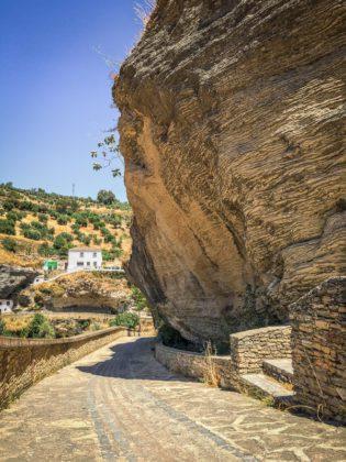 Path around the village