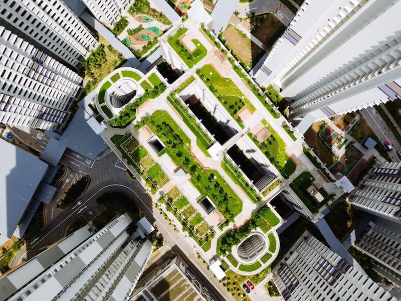 A picture of a roof garden on top of a skyscraper