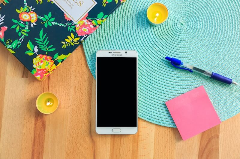Samsung mobile phone camera