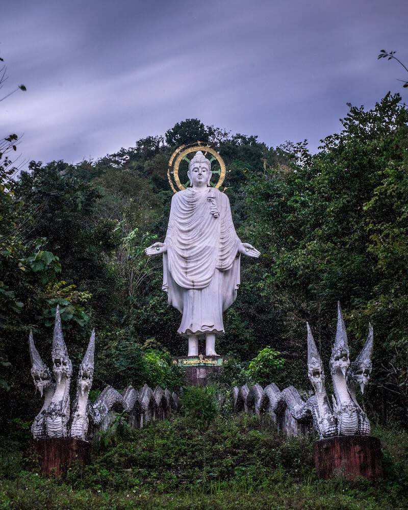 Doi in Cee abandoned buddha statue